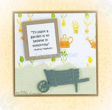 Afbeeldingen van wheelbarrow & garden tools
